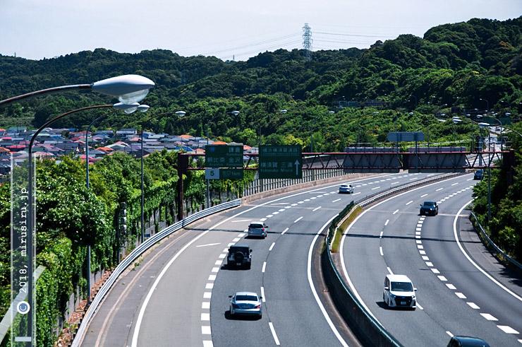 新緑 横浜市金沢区・横浜横須賀道路・釜利谷陸橋から 2018/05/20